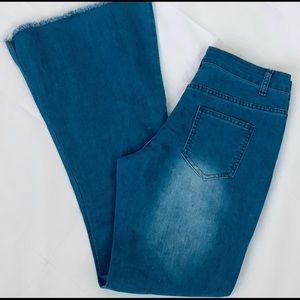 Denim - Bell Bottom Boho Jeans Size 31